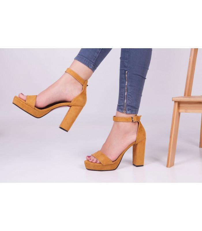 Sandale Victoria Moutard